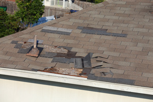 Roof wind damage in Rochester